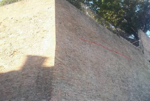 Rigonfiamento nelle mura, evacuate due abitazioni a Castelleone di Suasa