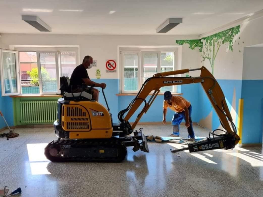 I lavori alla scuola Fornace Fagioli di Osimo