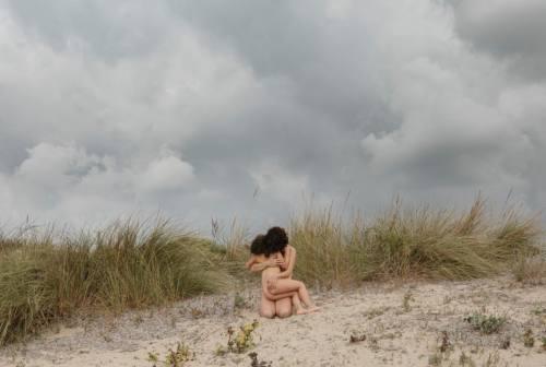 """Francesca Tilio in corsa al Premio FujiFilm con il progetto fotografico """"Link / Love is a necessary knot"""""""