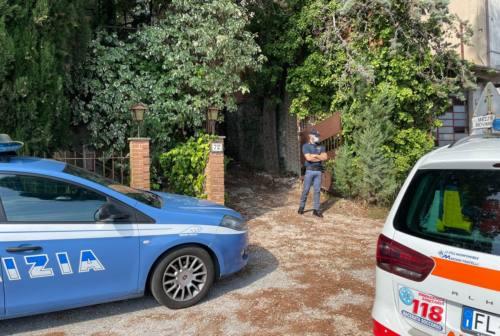 Famiglia trovata morta a Macerata, opposizione critica contro l'assessore ai Servizi sociali: «Chiediamo una commissione di indagine»
