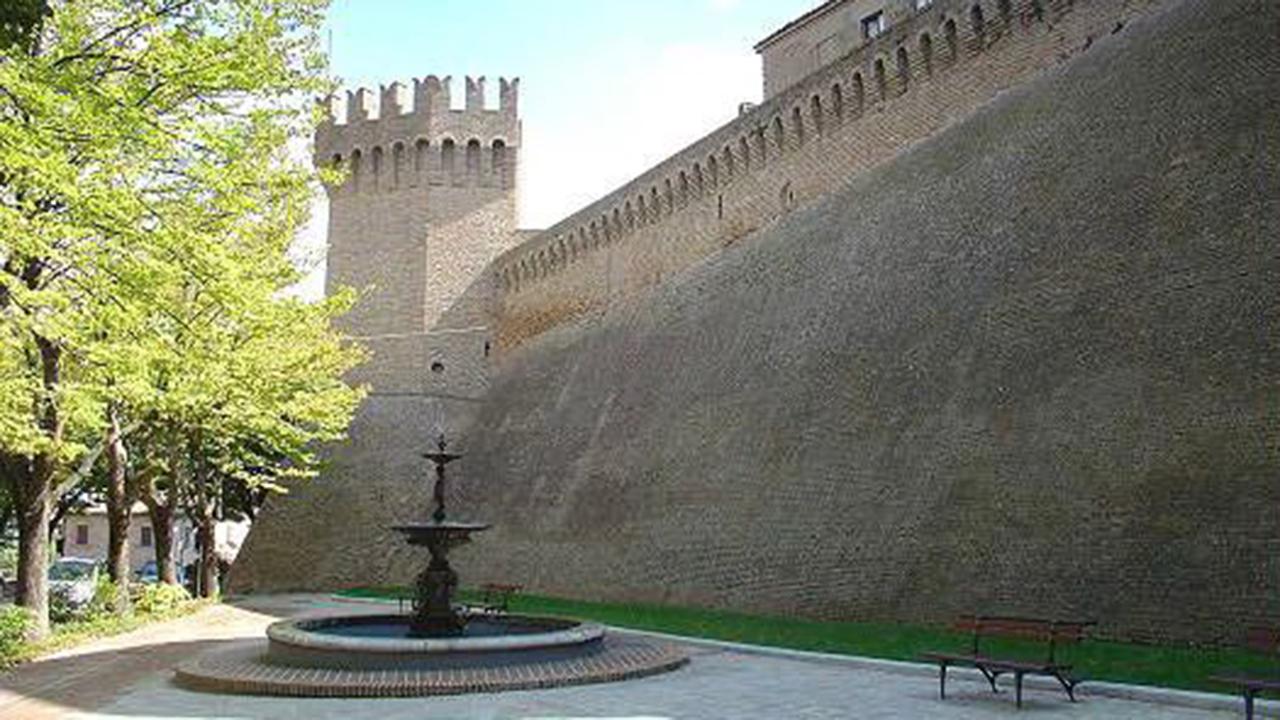 Corinaldo: piazza Risorgimento, l'ex piazza della Fontana