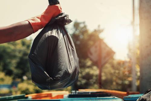 Piano provinciale dei rifiuti, il giudizio dei sindacati e l'attacco del M5S sulla discarica a Fano