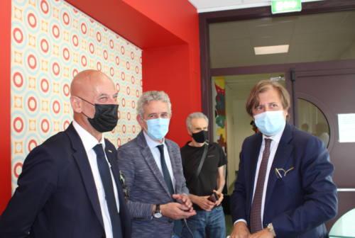 Sileri a San Benedetto: «Potenzieremo la sanità territoriale. Vaccini unica protezione dal covid»