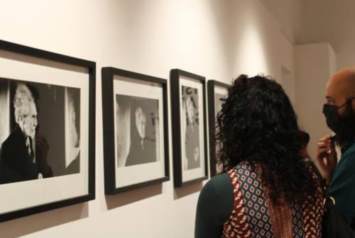 Lisetta Carmi e gli altri: sessanta scatti della grande fotografa in mostra ad Ascoli