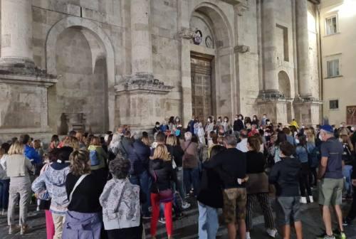 Ad Ascoli piacciono le passeggiate culturali: successo pieno per il tour sulla città romana