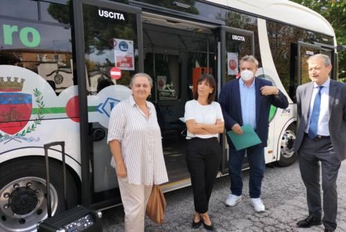 Ancona green: due bus elettrici per la città e nuove colonnine. Mancinelli: «Il futuro è presente, ma è solo il primo passo»