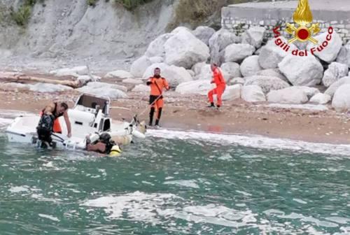 Natante affonda nei pressi della Grotta Azzurra, due le persone soccorse