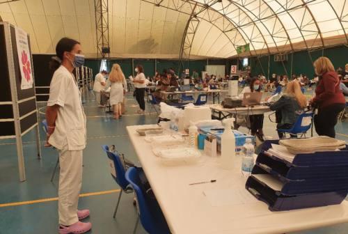 Vaccinazioni, ad Ancona riapre il Paolinelli. E camper in piazza D'Armi. Foresi: «Servizio importante»