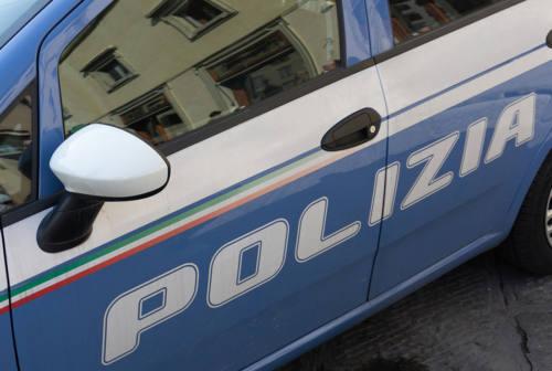 Pesaro, abusivi e con l'eroina in un casolare in zona stazione