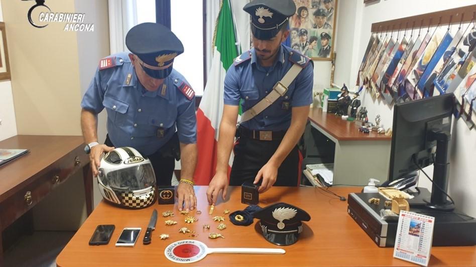 Recuperata dai carabinieri la refurtiva trafugata con una rapina ai danni di un anziano di Senigallia lo scorso 7 agosto 2020