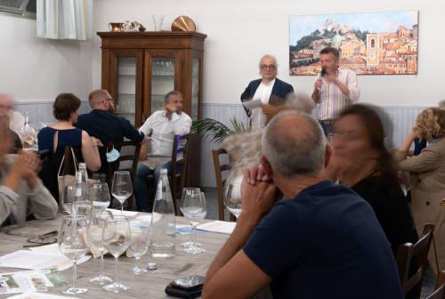 """Marche, pochi pescatori di moscioli e produttori di pecorino dei Sibillini. Con il progetto """"Dalla vigna alla tavola"""" non solo degustazioni"""