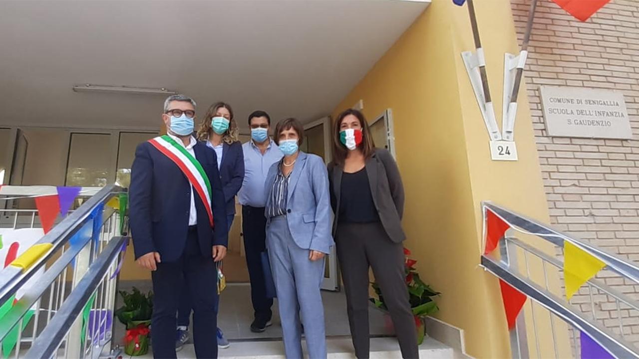 Sindaco e assessori di Senigallia in visita alla scuola San Gaudenzio per il primo giorno dell'anno scolastico 2021/22