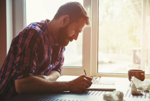 Scrivere per stare meglio: i benefici di mettere su carta pensieri ed emozioni