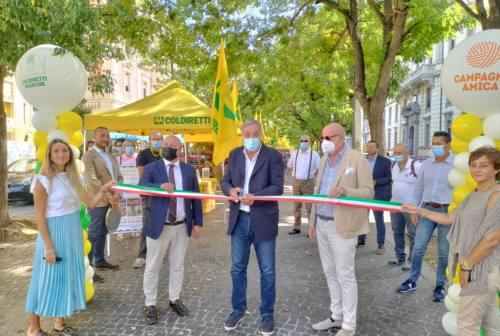 Coldiretti, ad Ancona il Viale dei Sapori, ma anche di colori. Gli organizzatori: «La città va forte, stand in aumento»