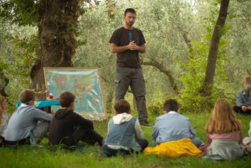 A scuola nel bosco a Senigallia grazie a Caritas, Sena Nova e Fosforo