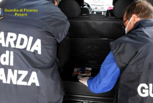 Fano, in auto con oltre mezzo chilo di cocaina: arrestate due donne
