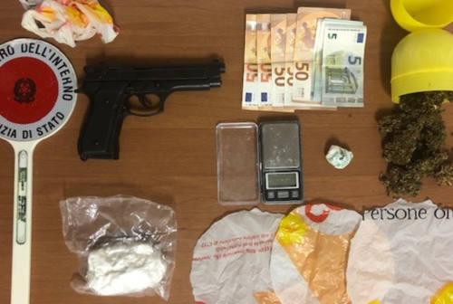Pesaro, in macchina con oltre 100 grammi di cocaina e una pistola: arrestato dalla Polizia