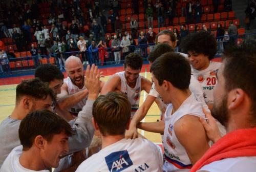 Basket Serie B, la Goldengas Senigallia a caccia del tris: domenica visita al Real Sebastiani Rieti