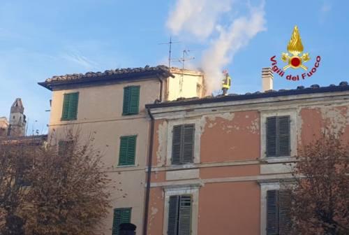 Montecarotto, incendio di una canna fumaria in una casa colonica