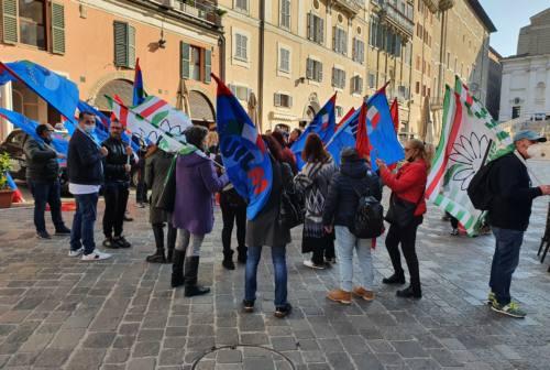 Vertenza Elica, lavoratori in presidio ad Ancona: consegnato documento al Prefetto