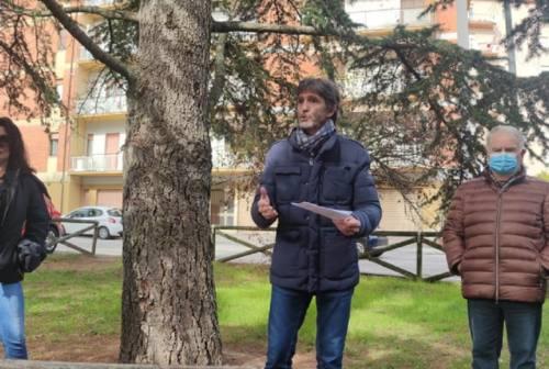 Macerata, protesta dei residenti di rione Marche: «I giardini non si toccano»