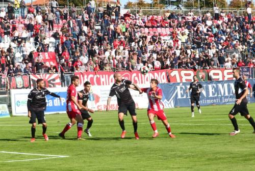 Calcio, pari tra Vis Pesaro e Cesena
