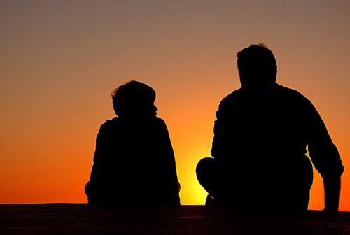 Naso e ombelico: così si migliora l'ascolto, il dialogo e la comunicazione non solo in famiglia