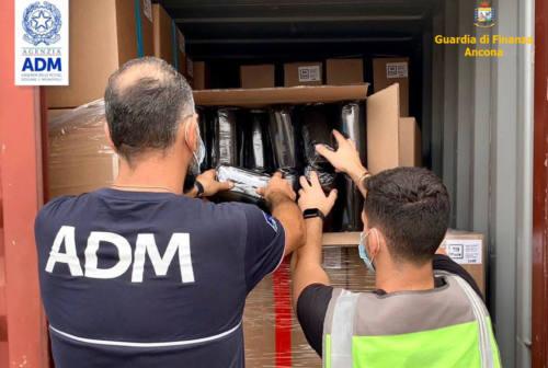 Porto di Ancona, sequestrate 280mila mascherine non a norma