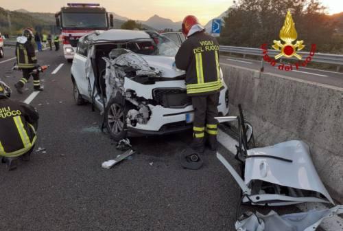 Castelplanio, schianto fra tre mezzi sulla S.S.76: ci sono 3 feriti. Code e traffico deviato