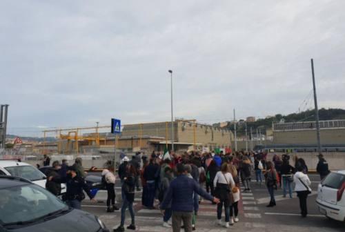 Green pass, prosegue il presidio ad Ancona. Nuova manifestazione, in arrivo partecipanti anche da altre regioni