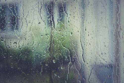 Allerta meteo a Jesi, giovedì 7 ottobre da bollino arancione. Scuole chiuse