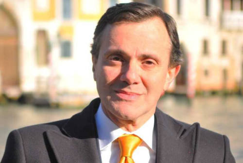 Chi è Paolo Sabbatini, il diplomatico che porta le Marche nel mondo: «Ai colleghi parlo della nostra regione»